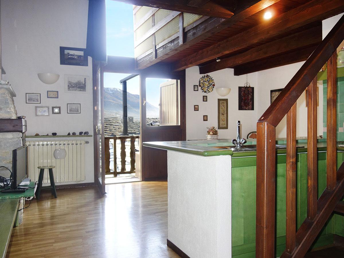 isigest - vendita attico, mansarda valle d'aosta morgex 69 mq 3 ... - Foto Soggiorno Con Camino 2