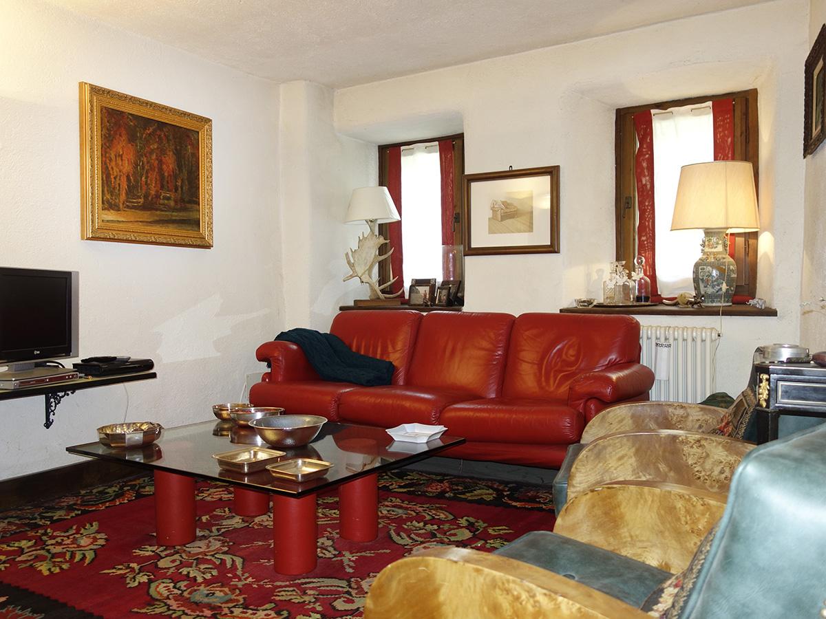 Ufficio Casa Aosta : Isigest vendita casa semi indipendente valle d aosta etroubles