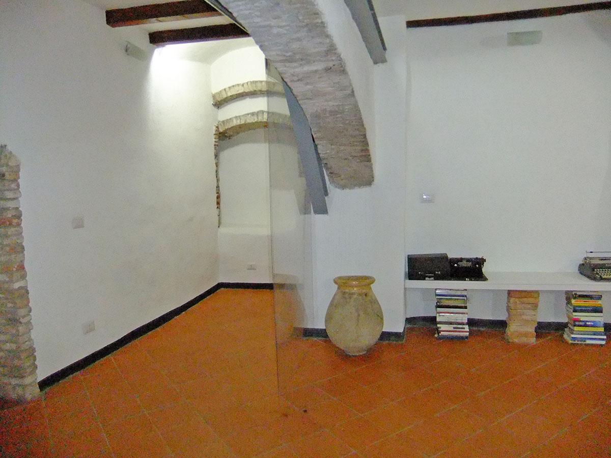 Isigest vendita ufficio savona centro storico 40 mq 1 for Piano terra di 500 piedi quadrati
