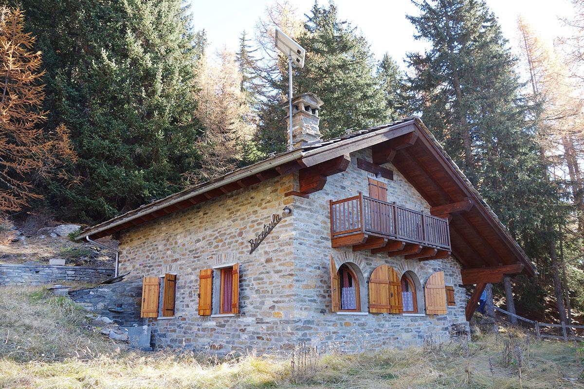 Isigest vendita baita chalet valle d aosta la salle 100 for Piani di montagna moderni