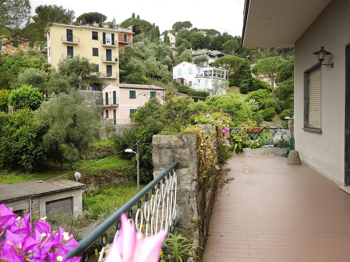Isigest vendita villa riviera di levante san michele di for Giardino 15 mq